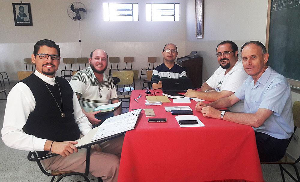 Pe. Nivaldo, Pe. Adenilson, Pe. Márcio, Pe. José Antonio e Padre Carlos